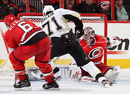 Cam Ward makes 37 saves to help his team put an end to a four-game losing streak. (Getty Images)
