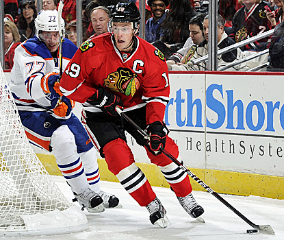 Jonathan Toews nets two to defeat the Edmonton Oilers and bring the Blackhawks' win streak to three. (Getty Images)