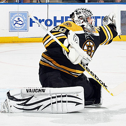 Tim Thomas stops 23 shots for a 6-0 bagel and record his 28th career shutout. (Getty Images)