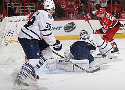 Jeff Skinner scores and adds an assist to help the Hurricanes rediscover their offense and edge the Leafs. (Getty Images)