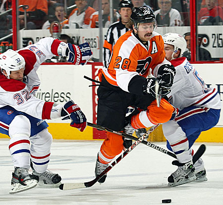 Philadelphia's Claude Giroux scores twice to help boost the Fylers past the Montreal Canadiens. (Getty Images)