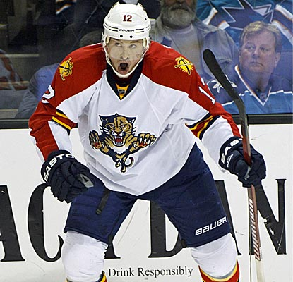 Right wing Jack Skille scores a short-handed tally as one of three second-period goals for the Panthers. (US Presswire)