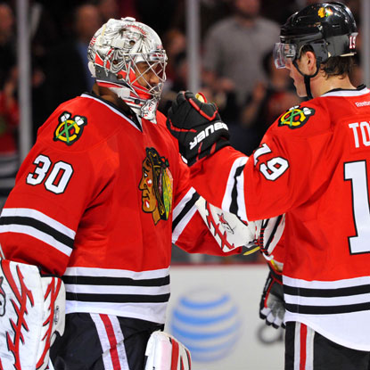 Goalie Ray Emery holds the Ducks to just one goal on 25 shots for Chicago's fourth consecutive victory. (US Presswire)
