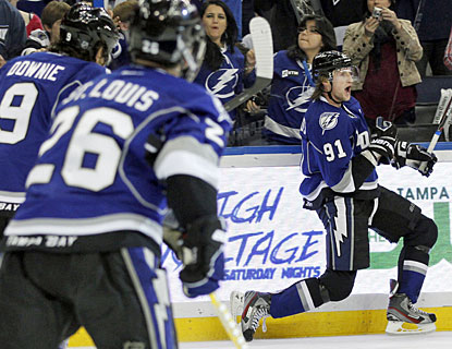 Steven Stamkos notches his second hat trick this season and has 10 goals in his last eight games. (AP)