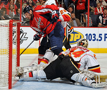 Troy Brouwer's goal in the second period is Washington's second on the power play. (Getty Images)