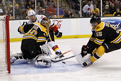 Tuukka Rask makes 25 saves for his third shutout in four starts. Rask has allowed just one goal in the four games. (US Presswire)