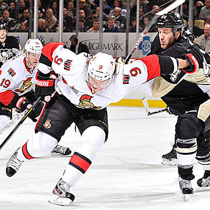 Milan Michalek's second goal of the game caps off a Senators' run of goals on four consecutive shots. (Getty Images)
