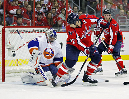 Evgeni Nabokov stops 17 shots against the Capitals to earn his first shutout with the Islanders and 51st of his career. (US Presswire)