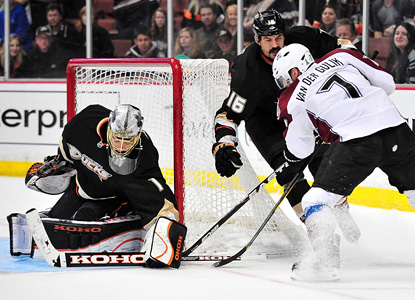 Ducks' netminder Jonas Hiller sends back one of 43 saves on the night to help edge the Avs at home. (US Presswire)