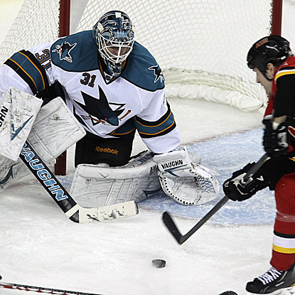 The Sharks' Antti Niemi turns back 25 shots to earn his third shutout of the season. (Getty Images)
