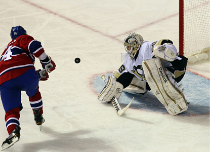 Tomas Plekanec scores on the Canadiens' eighth attempt in the shootout to give the Habs a 3-2 win. (US Presswire)