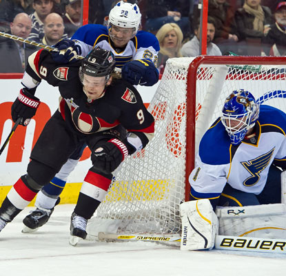 Goalie Brian Elliott and the Blues make it tough on the Senators, who are in the midst of a seven-game tailspin.  (US Presswire)