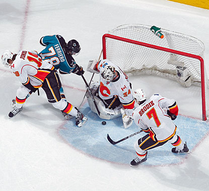 Mikka Kiprusoff denies Benn Ferriero a scoring chance for one of his 34 saves en route to his 300th career victory. (Getty Images)