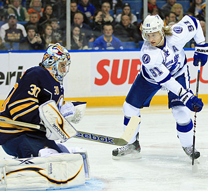 Steven Stamkos sets up the first goal and scores the eventual winner to raise his total to 37 goals. (US Presswire)