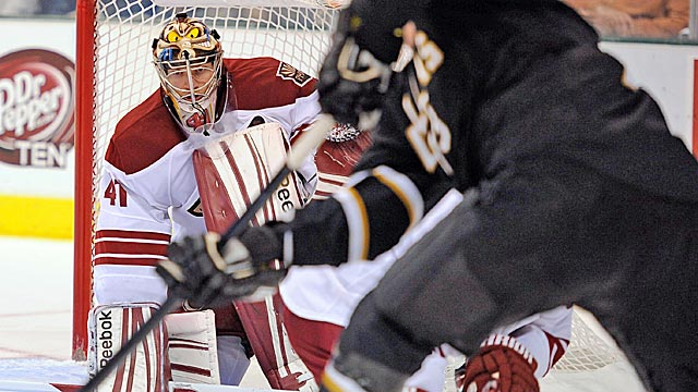 New Coyotes goalie Mike Smith has the seventh-best save percentage in the NHL. (US Presswire)