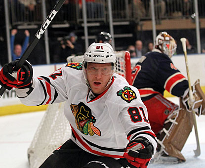 Marian Hossa scores Chicago's fourth and last goal before the game is 10 minutes old. (Getty Images)