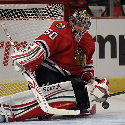 Corey Crawford makes 31 saves as the Blackhawks defeat the Red Wings for their fourth straight victory.  (Getty Images)