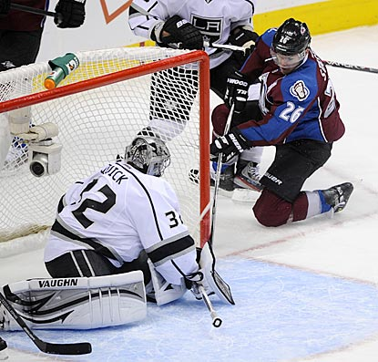 Jonathan Quick is too slow to stop Paul Stastny from scoring the first of his two goals. This one puts Colorado up 2-0.  (US Presswire)