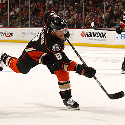 The Ducks' Teemu Selanne scores a goal and earns an assist to move into 20th place on the NHL's career scoring list. (Getty Images)