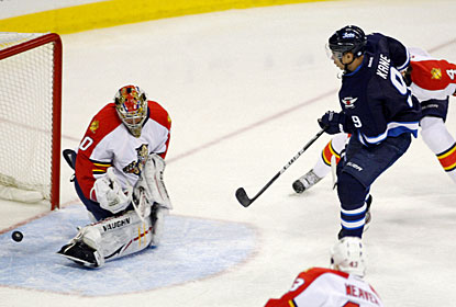 Evander Kane collects two goals for Winnipeg and helps set up two more in the rout. (US Presswire)