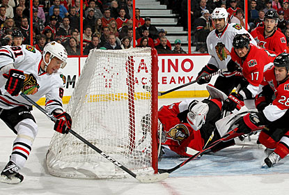 Marian Hossa's (81) wraparound goal in the second period is the difference maker in this game. (Getty Images)