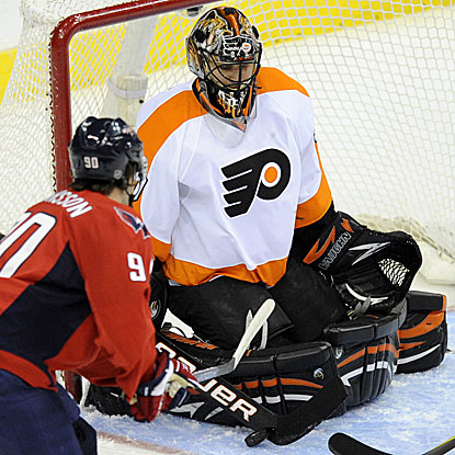 The Flyers' Ilya Bryzgalov stops 34 shots by the Capitals to earn his third shutout this season.  (AP)