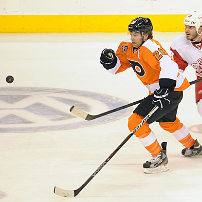 Claude Giroux is one of three Flyers to score a goal in their win over the Red Wings.  (US Presswire)