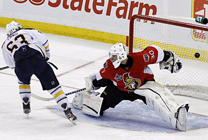 Tyler Ennis beats Ben Bishop for the winning goal in the shootout. Ennis also scores in regulation for Buffalo. (AP)
