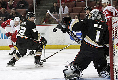 Jonas Hiller makes 23 saves to earn his 15th career shutout and keep Anaheim's slim playoff chances alive for now. (AP)