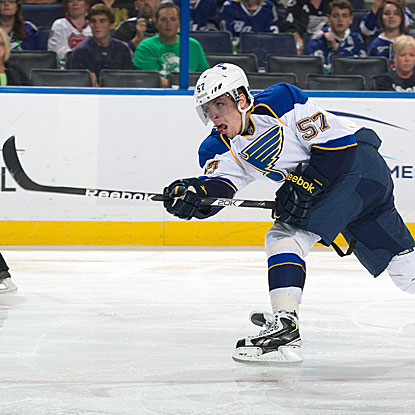David Perron scores in the second period to extend the Blues' lead to 3-0 over the Lightning.   (Getty Images)
