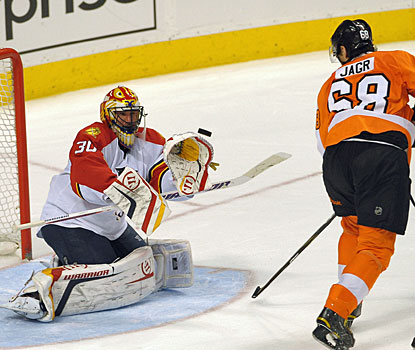 Scott Clemmensen stops 35 shots to also help the Panthers end a five-game losing streak to the Flyers. (US Presswire)