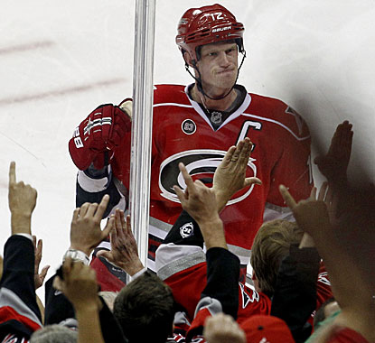 Eric Staal reacts to the Hurricanes fans after scoring his team-leading 23rd goal of the season. (AP)