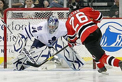 Maple Leafs goalie James Reimer is huge, making 43 saves, including the game-winning stop in the shootout.  (US Presswire)