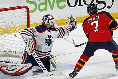 Oilers goalie Devan Dubnyk is big in the shootout as Edmonton snaps Florida's five-game home win streak.  (US Presswire)