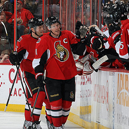 Daniel Alfredsson tallies two goals and two assists as the Senators hand the Penguins their first regulation loss in 15 games. (US Presswire)
