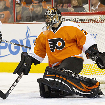 Ilya Bryzgalov stops 23 of 24 shots in the Flyers' victory, which clinches a spot in the postseason.  (US Presswire)