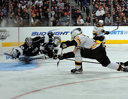 Patrice Bergeron scores a short-handed goal as the Bruins put an end to a four-game road losing streak. (Getty Images)