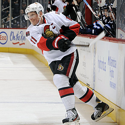 Daniel Alfredsson scores two third-period goals to pace the Senators past the Jets.  (Getty Images)