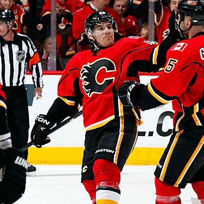 Mike Cammalleri tallies a goal and two assists to help Flames get past the Stars.  (Getty Images)