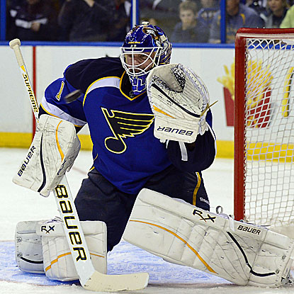 Brian Elliott tallies his third straight shutout for the Blues, who improve to an NHL-leading 105 points with their win.  (US Presswire)