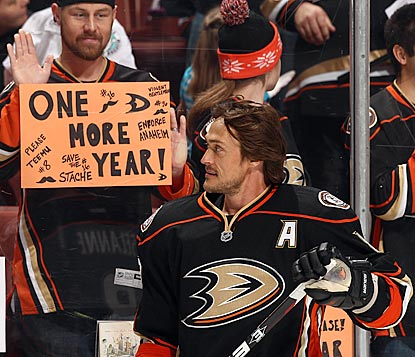 Teemu Selanne can still find the net, and Ducks fans are hoping they will still find him in an Anaheim uniform next season.  (Getty Images)