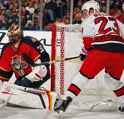 Scott Clemmensen stops 33 shots to help the Panthers wrap up a long awaited division championship.  (Getty Images)