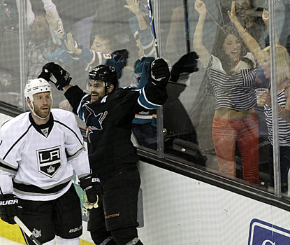 Dan Boyle scores his second goal of the game to give San Jose the win with 62 seconds left in overtime. (AP)