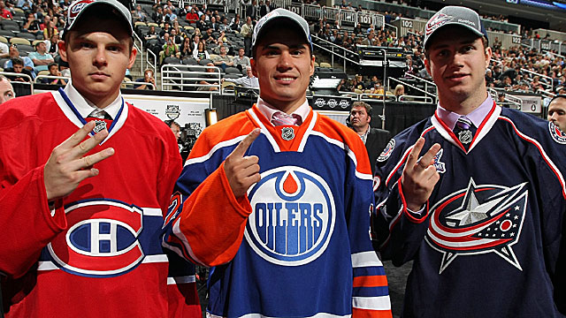 Yakupov poses with 2nd pick Ryan Murray (Columbus) and 3rd pick Alex Galchenyuk (Montreal). (Getty Images)