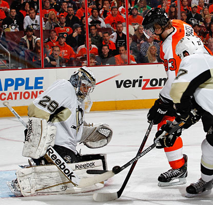 Marc-Andre Fleury makes 26 saves as the Penguins and Flyers meet for the eighth straight time since the '11-12 finale.  (Getty Images)