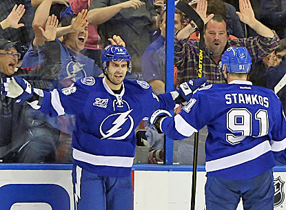 Tampa Bay's Teddy Purcell (left) celebrates with Steven Stamkos after scoring one of his goals against the Flyers. (AP)
