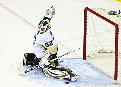 Tomas Vokoun stops 28 shots for his 49th NHL shutout, and his third against the Rangers in his 15-year career.  (US Presswire)