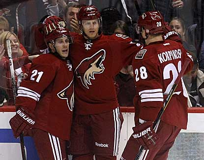 Phoenix right wing Nick Johnson puts the Coyotes ahead for good with a second-period goal. (US Presswire)