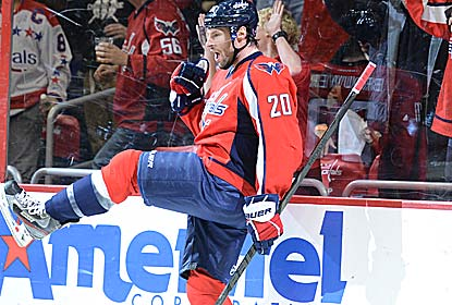 Troy Brouwer scores two of Washington's five goals in the Capitals' beatdown of the Florida Panthers. (Getty Images)
