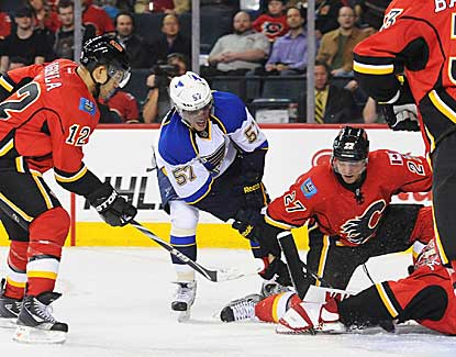 St. Louis' David Perron has a pair of power-play goals as the Blues get a road win in Calgary. (Getty Images)